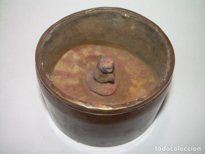 Antigüedades: MUY ANTIGUO RELICARIO DE LATON....POSIBLEMENTE ORIENTAL. - Foto 2 - 90046264