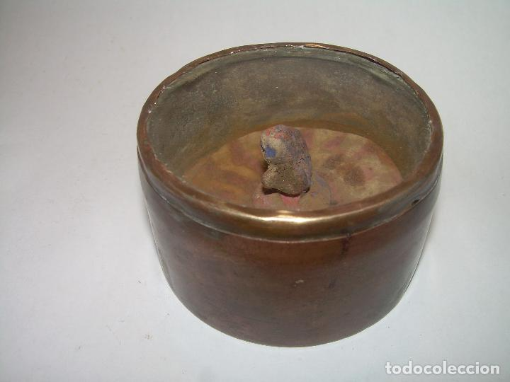 Antigüedades: MUY ANTIGUO RELICARIO DE LATON....POSIBLEMENTE ORIENTAL. - Foto 4 - 90046264