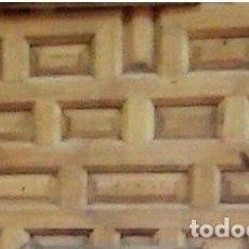 Antigüedades: PUERTA ANTIGUA DE CUARTERONES SIN MARCO. Lote 90127292