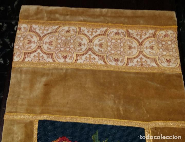 Antigüedades: Antiguo tapete con bordado - Foto 3 - 90267376