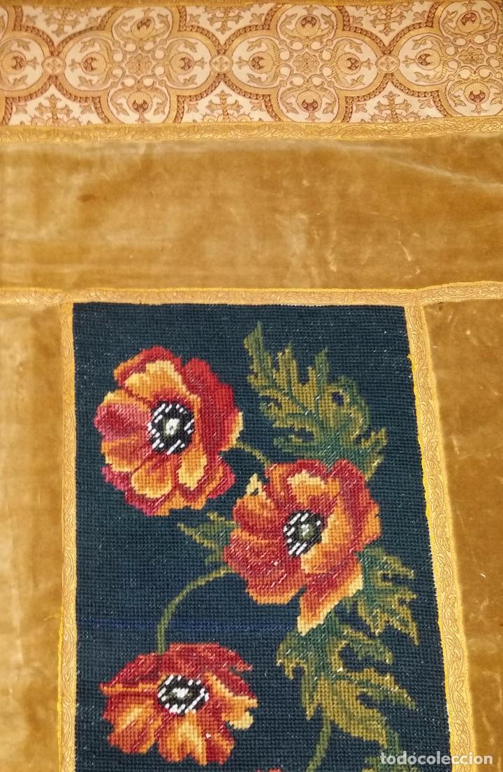 Antigüedades: Antiguo tapete con bordado - Foto 4 - 90267376