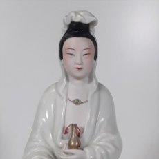 Antigüedades: DIOSA DEL AMOR KUAN YIN. PORCELANA. ESMALTADA. POLICROMADA. CHINA. SIGLO XX.. Lote 90343690