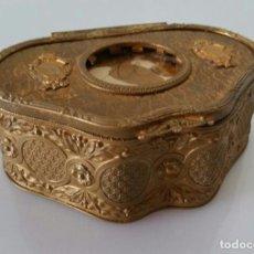 Antigüedades: ANTIGUO JOYERO DE BRONCE DORADO - PIEZA ÚNICA - S. XIX. Lote 90353376