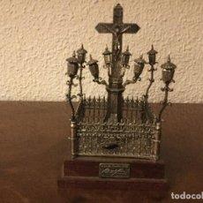 Antigüedades: CRISTO DE LOS FAROLES EN METAL PLATEADO. Lote 90391068