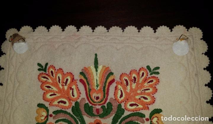 Antigüedades: Tapiz bordado - Foto 7 - 90405589