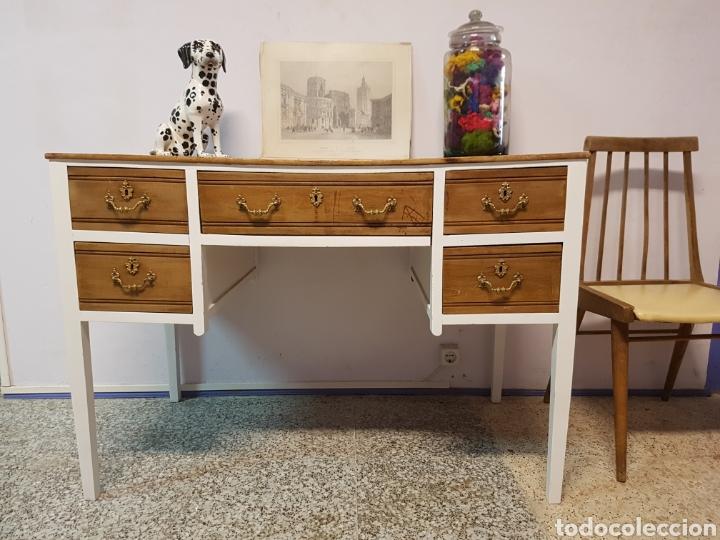 Precioso escritorio antiguo restaurado en blan comprar - Muebles antiguos restaurados ...