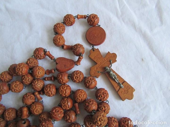 Antigüedades: Gran rosario de madera de la Virgen de Lourdes - Foto 2 - 90461294