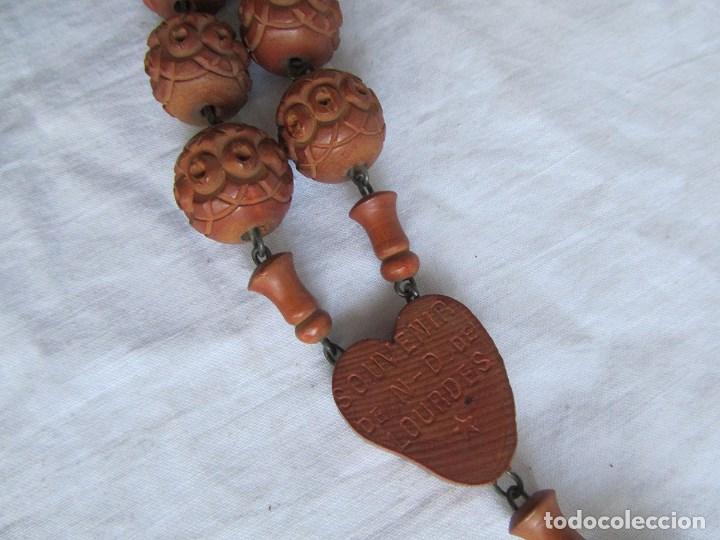 Antigüedades: Gran rosario de madera de la Virgen de Lourdes - Foto 10 - 90461294