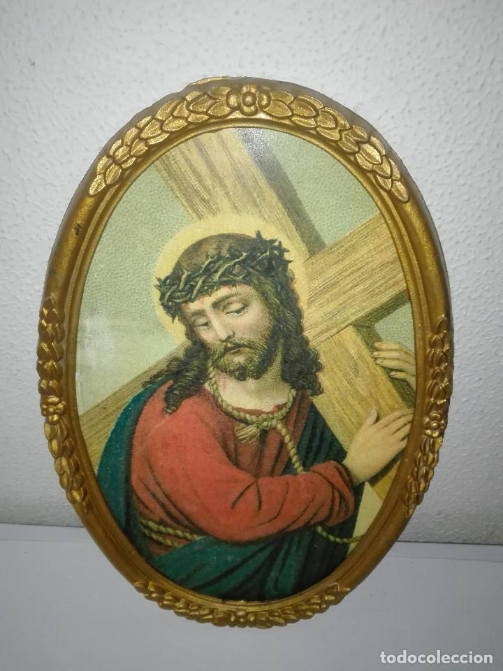antiguo marco ovalado con jesús cargando la cru - Comprar Marcos ...