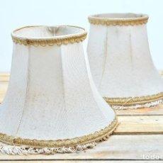 Antigüedades: TULIPA ANTIGUA PARA LAMPARA CLASICA LOTE DE 2 - DOS TULIPAS DE TELA PANTALLA LAMPARA CON PASAMANERIA. Lote 90564665