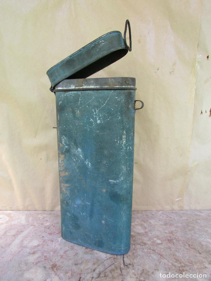 Antigüedades: HOSTIERO. Caja de metal para guardar las hostias una vez recortadas. Antigua Ovalada - Foto 3 - 90616470