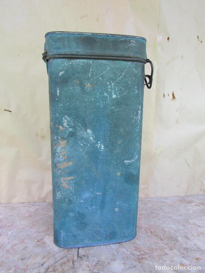 Antigüedades: HOSTIERO. Caja de metal para guardar las hostias una vez recortadas. Antigua Ovalada - Foto 5 - 90616470