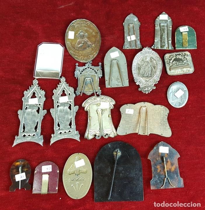 Antigüedades: COLECCION DE 19 ORNAMENTOS RELIGIOSOS. METAL Y RESINA. SIGLO XIX-XX. - Foto 10 - 90622305