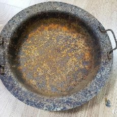 Antigüedades: ANTIGUO BRASERO DE HIERRO OXIDADO. TAMAÑO 43 CM DE DIÁMETRO. Lote 90632035