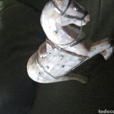 Antigüedades: ANTIGUO, CABALLO DE MADERA, RECUBIERTO DE NACAR. Lote 90632395