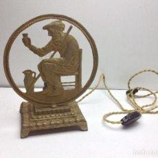 Antigüedades: ANTIGUA LAMPARA DE HIERRO CON PERSONAJE . Lote 90642790