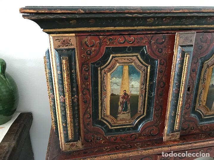 Antigüedades: Precioso mueble alemán Selva Negra de mediados-finales. s. XVIII de madera policromada - Foto 5 - 90730630