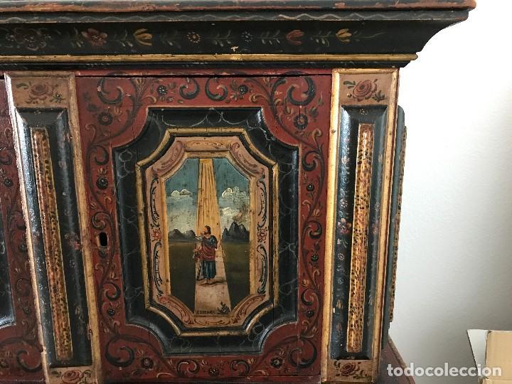Antigüedades: Precioso mueble alemán Selva Negra de mediados-finales. s. XVIII de madera policromada - Foto 6 - 90730630
