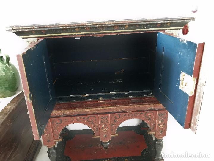 Antigüedades: Precioso mueble alemán Selva Negra de mediados-finales. s. XVIII de madera policromada - Foto 9 - 90730630