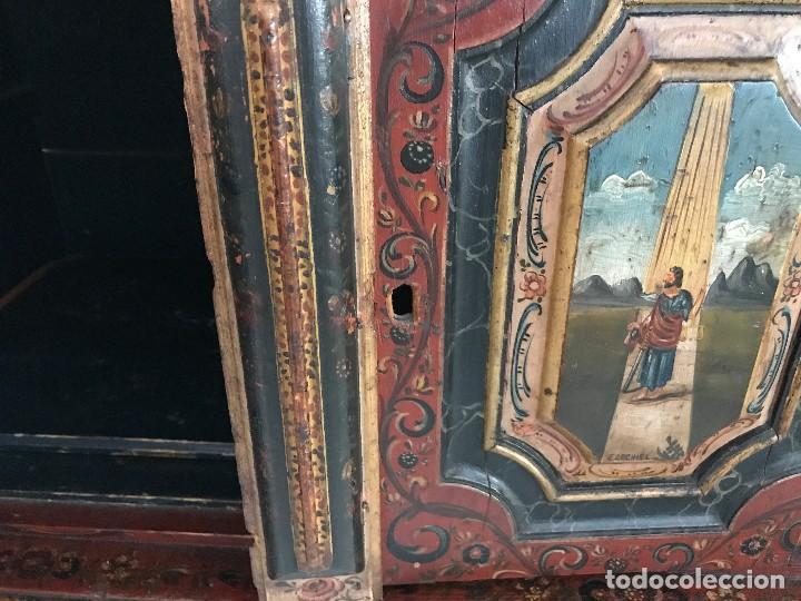 Antigüedades: Precioso mueble alemán Selva Negra de mediados-finales. s. XVIII de madera policromada - Foto 11 - 90730630