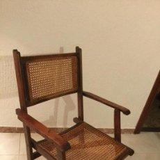Antigüedades: SILLA PLEGABLE ANTIGUA REALIZADA EN MADERA Y ANEA, PERFECTO ESTADO. Lote 90773580
