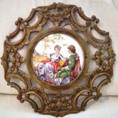 Antigüedades: ANTIGUO PLATO BRONCE Y PORCELANA.. Lote 90814467