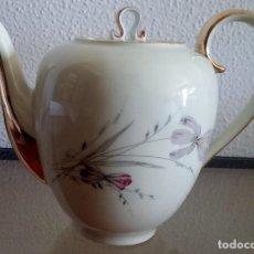 Antigüedades: CAFETERA PORCELANA -KOENIG MAH SANTA CLARA- REF. 737. Lote 90823090