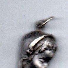Antigüedades: MEDALLA DE LA VIRGEN NIÑA. Lote 153654784