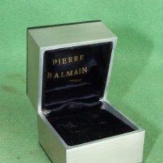 Antigüedades: BUSCADA CAJA PIERRE BALMAIN PARIS ALUMINIO JUEGO GEMELOS 1972 COLECCION JOYERIA VINTAGE. Lote 90888145