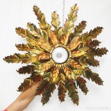 Antigüedades: GRAN LAMPARA TIPO SOL FORJA DORADA PAN DE ORO MUY VINTAGE , CABLE NUEVO. Lote 90917460