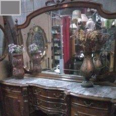 Antigüedades: APARADOR CON ESPEJO AÑOS 40. Lote 90786210