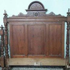 Antigüedades: CAMA DE MADERA TALLADA SG, XIX ANTIGUA . Lote 90957905