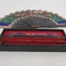 Antigüedades: PRECIOSO ABANICO DE LAS MIL CARAS - CHINA - CARAS EN MARFIL - VESTIDOS SEDA - DINASTÍA QNIG - S. XIX. Lote 90980015
