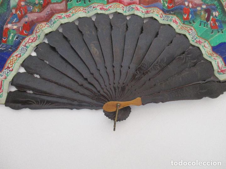 Antigüedades: Precioso Abanico de las Mil Caras - China - Caras en Marfil - Vestidos Seda - Dinastía Qnig - S. XIX - Foto 3 - 90980015