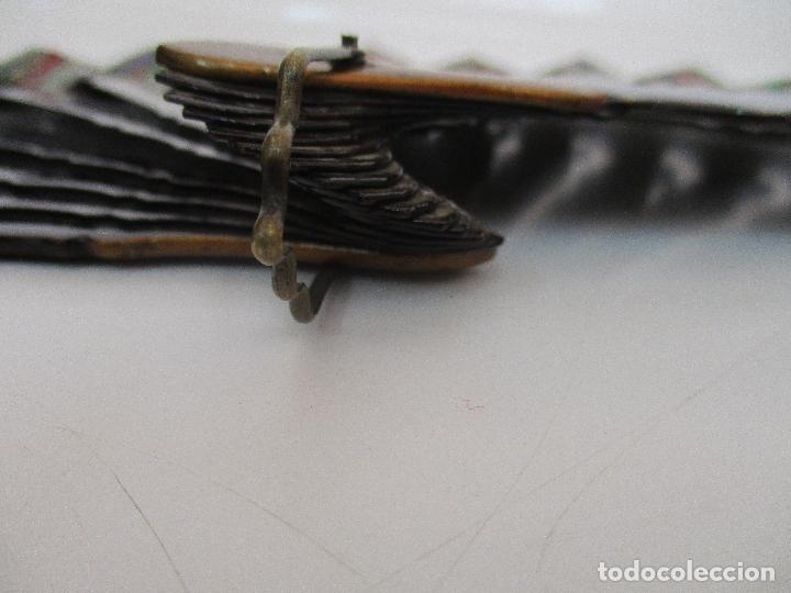 Antigüedades: Precioso Abanico de las Mil Caras - China - Caras en Marfil - Vestidos Seda - Dinastía Qnig - S. XIX - Foto 4 - 90980015