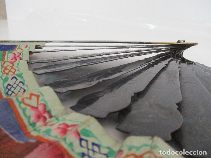 Antigüedades: Precioso Abanico de las Mil Caras - China - Caras en Marfil - Vestidos Seda - Dinastía Qnig - S. XIX - Foto 11 - 90980015