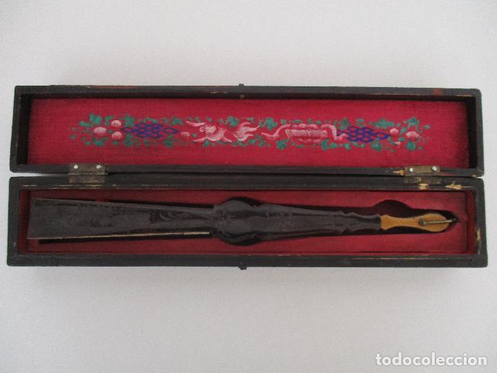 Antigüedades: Precioso Abanico de las Mil Caras - China - Caras en Marfil - Vestidos Seda - Dinastía Qnig - S. XIX - Foto 27 - 90980015