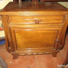 Antigüedades: MESITA DE ROBLE. Lote 90988370