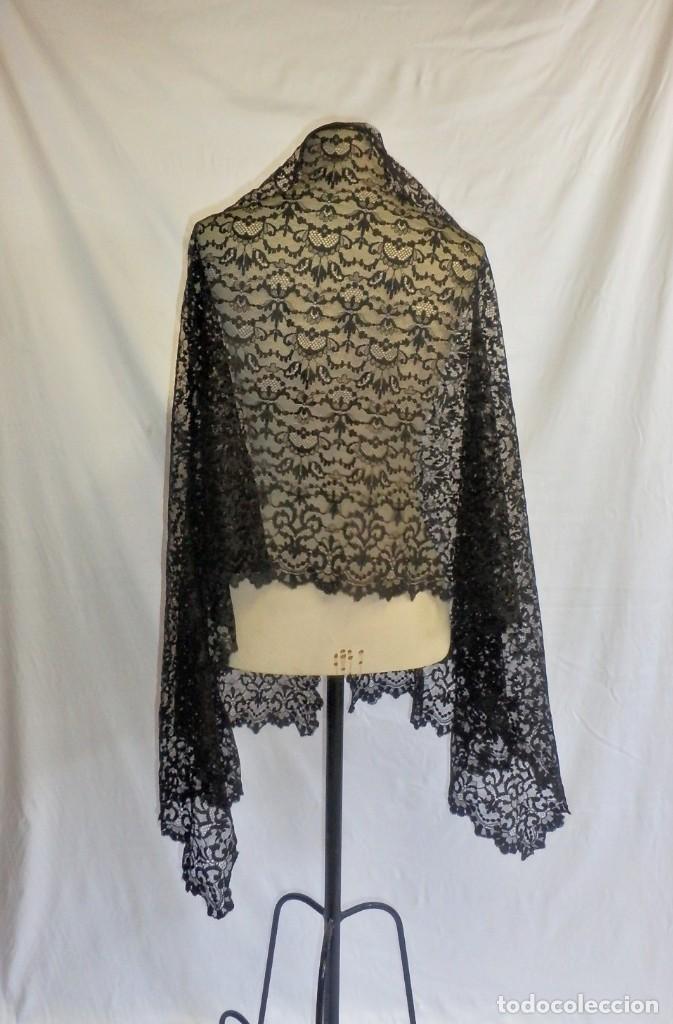 Antigüedades: 4052 Gran mantilla española de seda lasa años 1920 - Foto 2 - 95980823