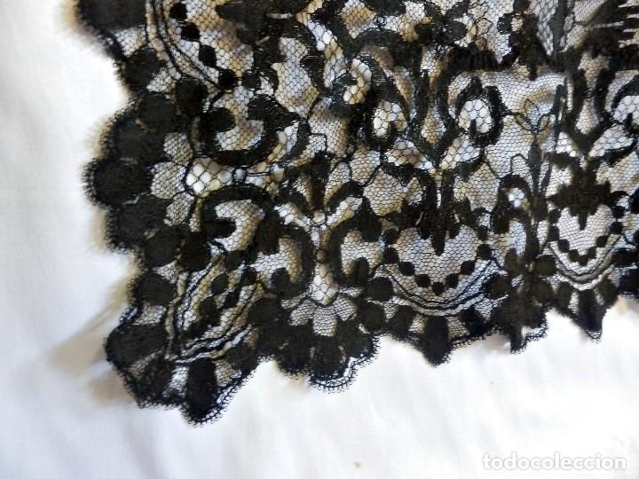 Antigüedades: 4052 Gran mantilla española de seda lasa años 1920 - Foto 5 - 95980823