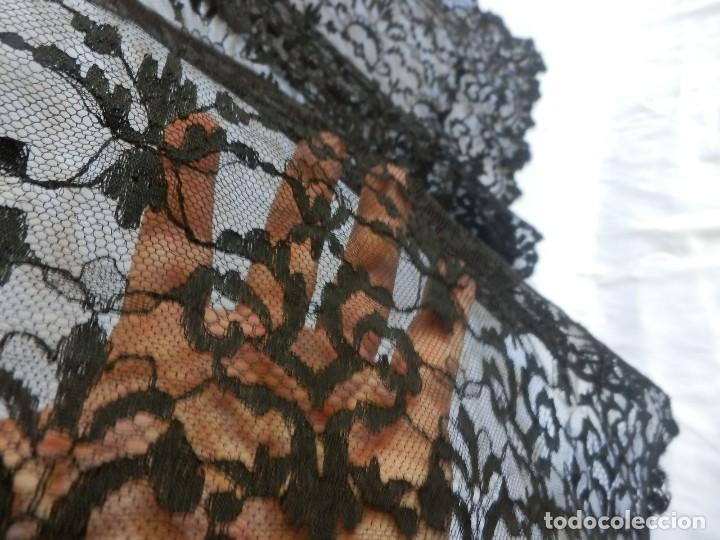 Antigüedades: 4052 Gran mantilla española de seda lasa años 1920 - Foto 6 - 95980823