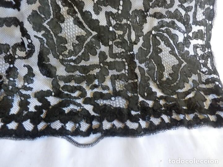 Antigüedades: 4057 Gran mantilla española s XIX bordada a mano - Foto 7 - 91059800