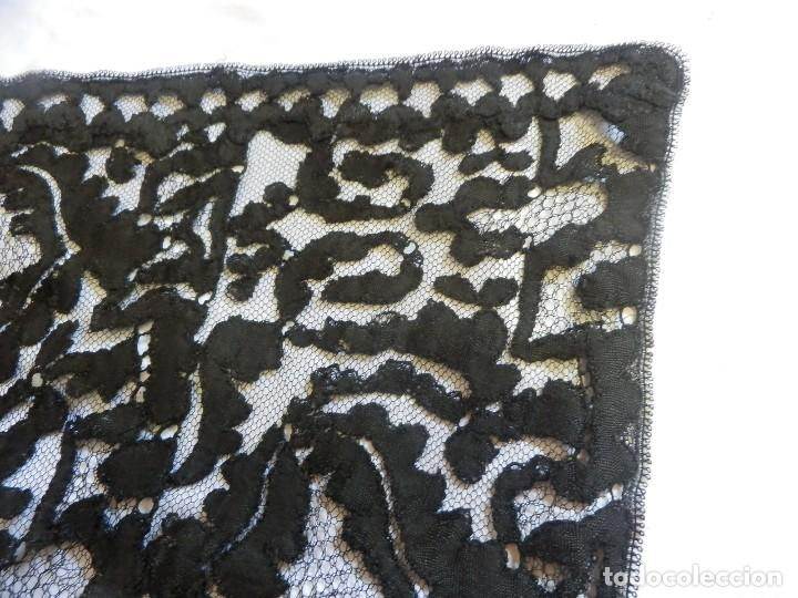 Antigüedades: 4057 Gran mantilla española s XIX bordada a mano - Foto 9 - 91059800