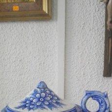 Antigüedades: GALLETERO - BOMBONERA CON ASA Y MOTIVOS FLORALES. SELLADO CHZ.. Lote 91151430