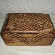 Antigüedades: CAJA DE MADERA. ARTESANIA. TALLADA A MANO. . Lote 91164510