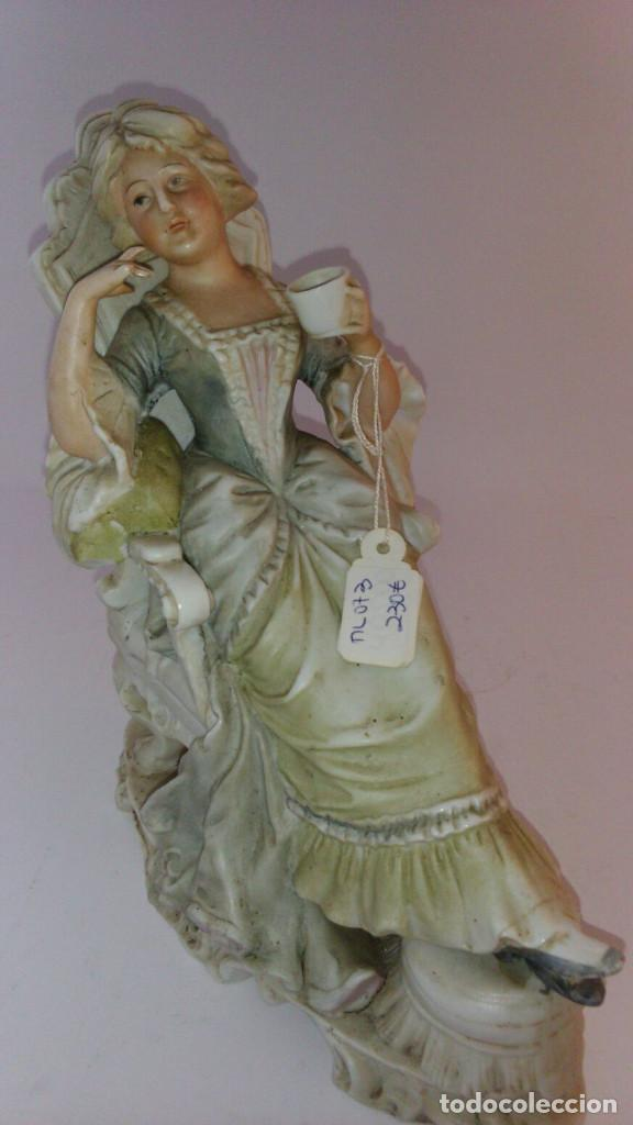 BISCUITE, FIGURA DE DAMA (Antigüedades - Hogar y Decoración - Figuras Antiguas)