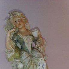 Antigüedades: BISCUITE, FIGURA DE DAMA. Lote 91243365