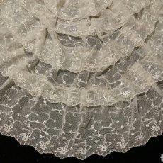 Antigüedades: ELEGANTE BLONDA ANTIGUA DE TUL BORDADO. Lote 91270587