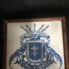 Antigüedades: RUIZ DE LUNA AZULEJO HERALDICA FECHADO 1967. Lote 56753858
