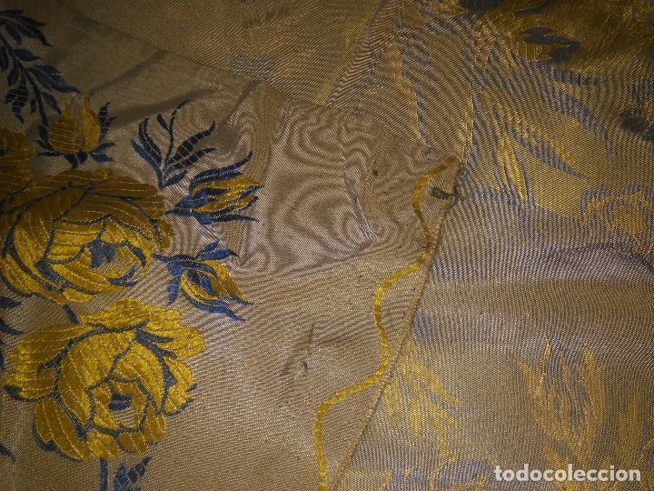 Antigüedades: gran colcha antigua sedina floral cama matrimonio confeccion manto manton traje virgen semana santa - Foto 41 - 91346285